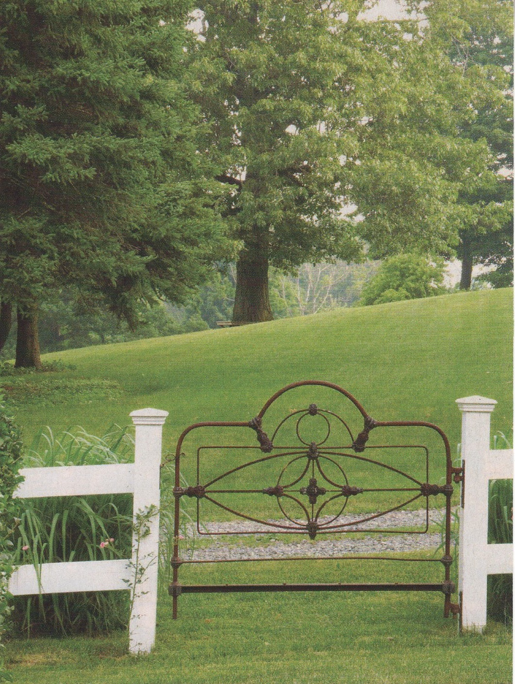 That old iron gate……… i mean bed « cathouse beds